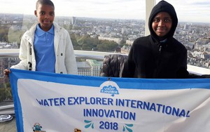 Photo of the two learners at the event in London.